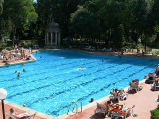 Le Pavoniere Swimming Pool